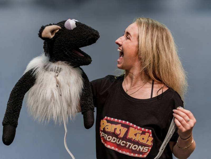 https://partykidzproductions.ie/wp-content/uploads/2020/06/Live-Puppet-Show-34.jpg