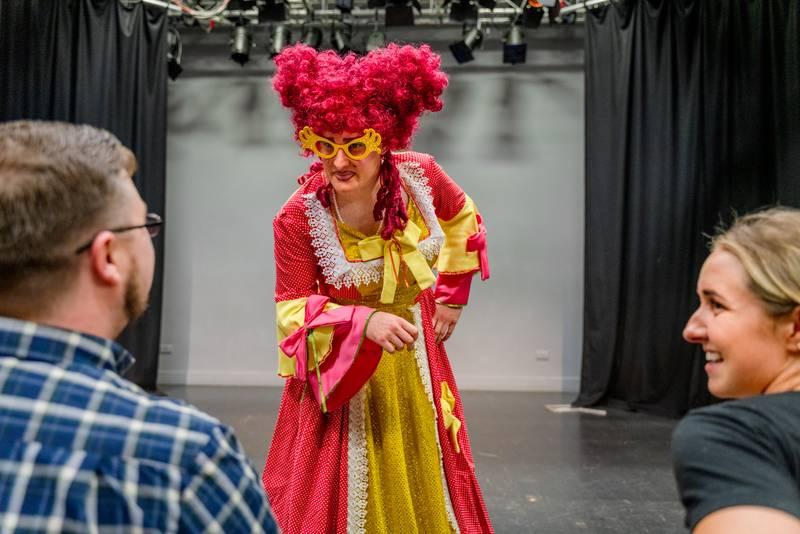 https://partykidzproductions.ie/wp-content/uploads/2020/06/Live-Puppet-Show-8.jpg